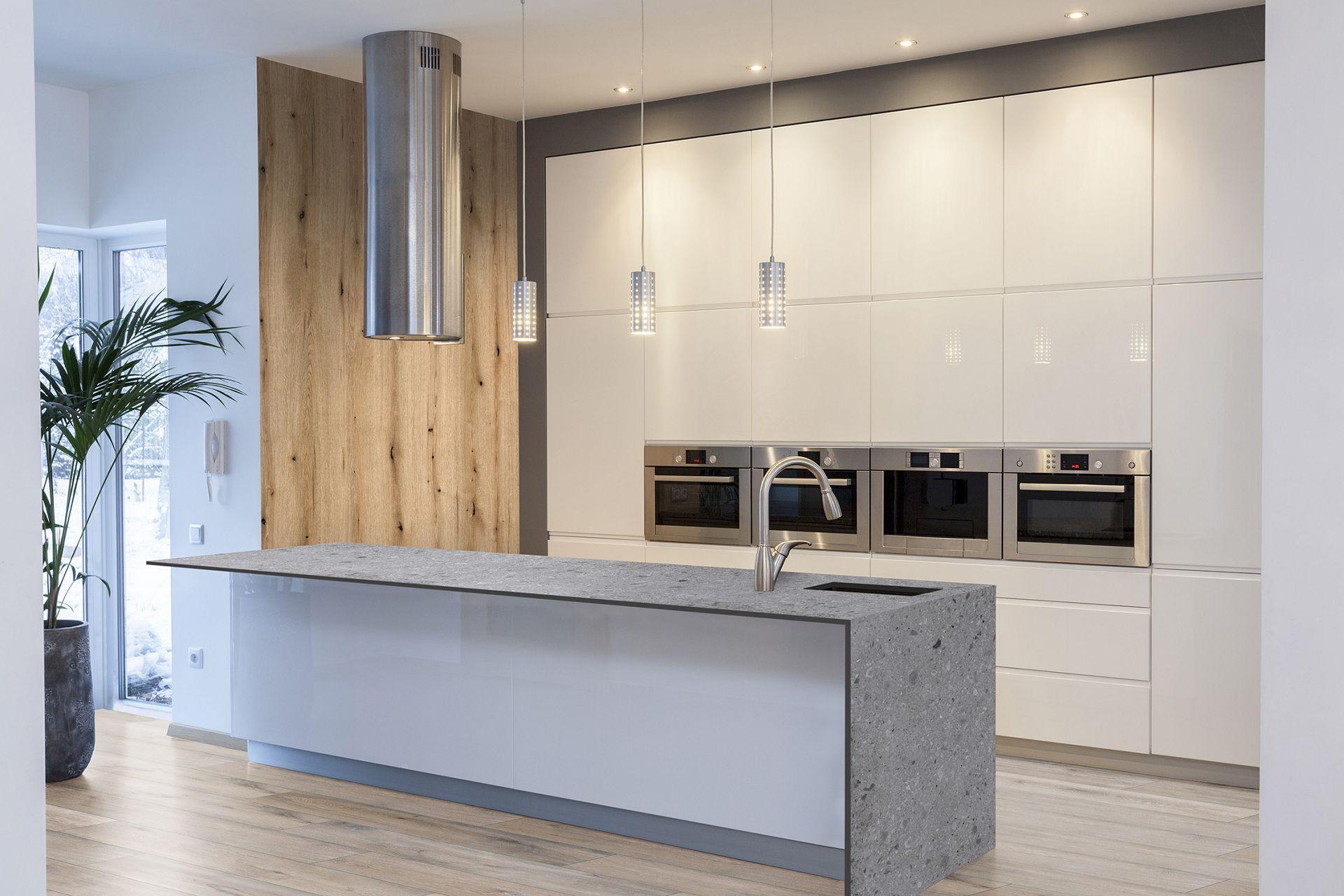 Szybki remont kuchni i łazienki z produktami Kronospan